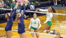 Ducks Sweep Illini For 5th Straight