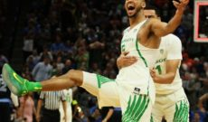 Dorsey's Trey Sends Ducks to Sweet 16