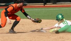 Beavers Swept by 5th Ranked Ducks